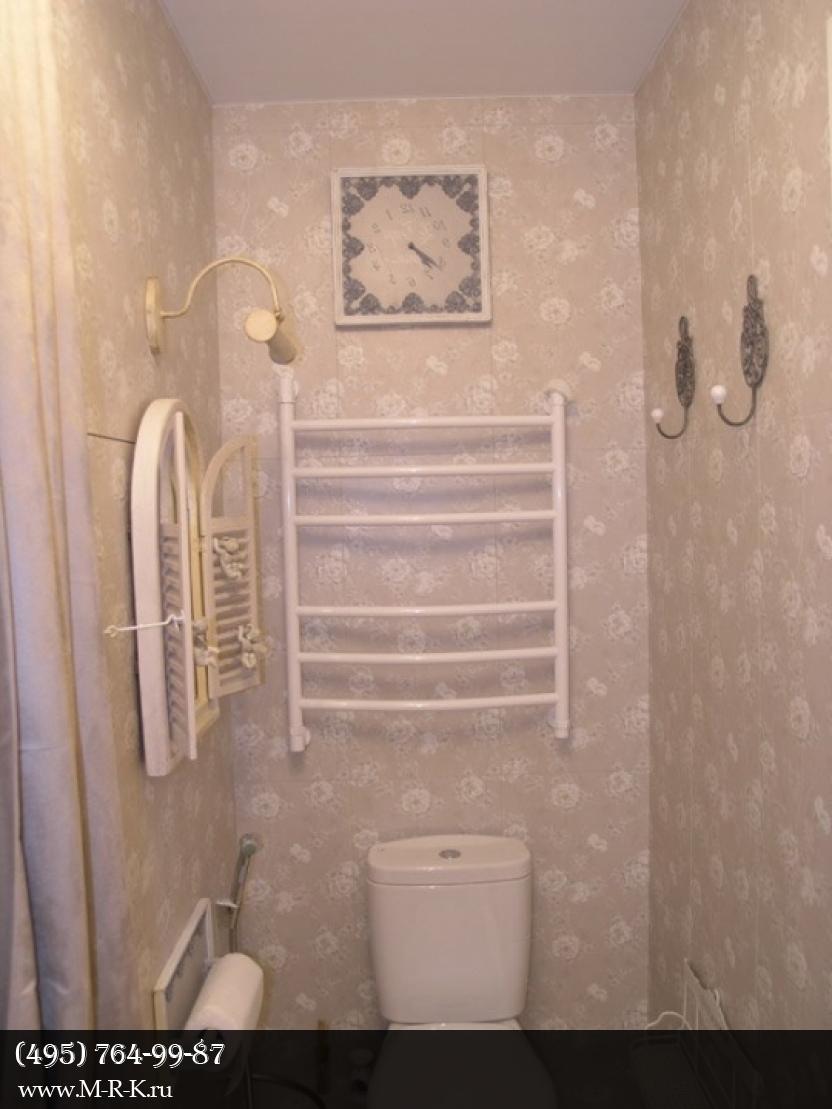 Навеска полок, зеркал, аксессуаров в ванной.