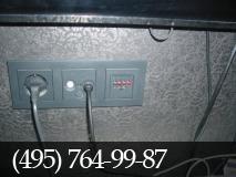 Прокладка кабеля интернета. фото