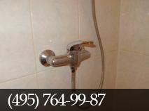 Установка смесителя в ванне, на кухне, крепление и монтаж крана. фото